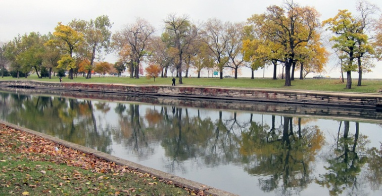 The Lincoln Park Lagoon (Credit: Celia Her City)