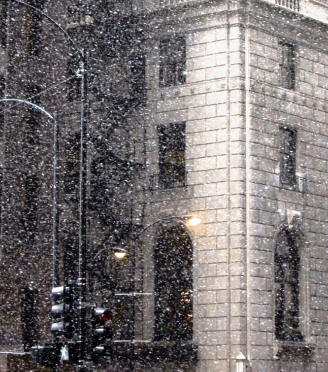 Snowy corner (Credit: Celia Her City)