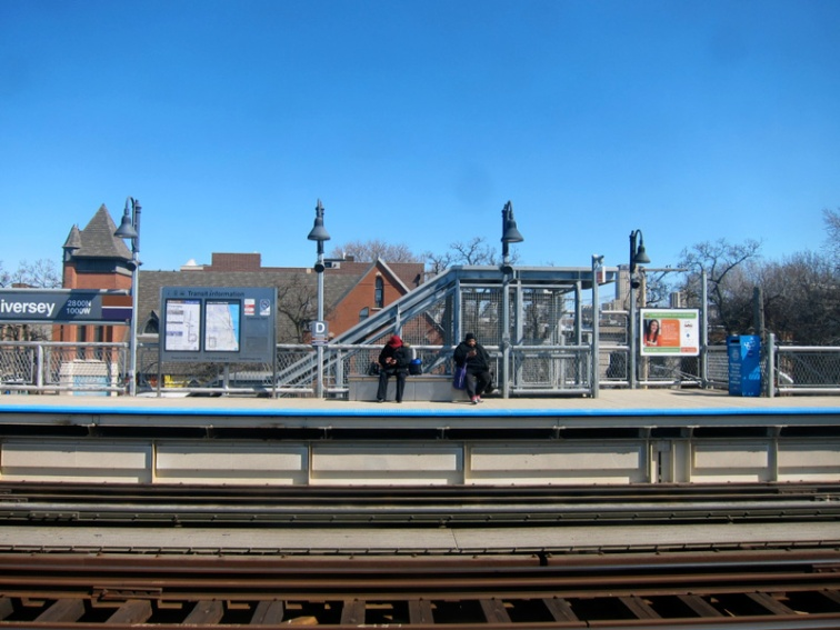 The el platform at Diversey, Chicago, @ 2013 Celia Her City