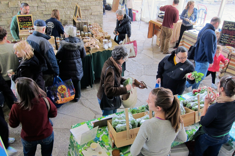 Shoppers at Chicago's indoor farmers' market, © 2013 Celia Her City