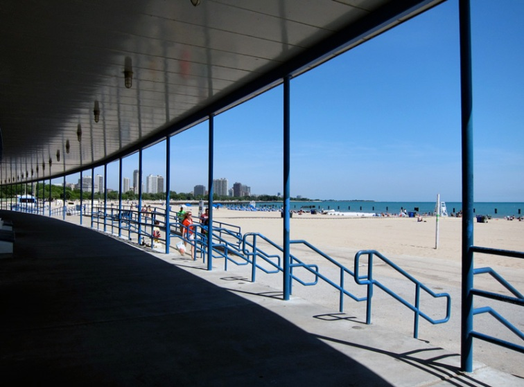 North Avenue beach house (Chicago), © 2013 Celia Her City
