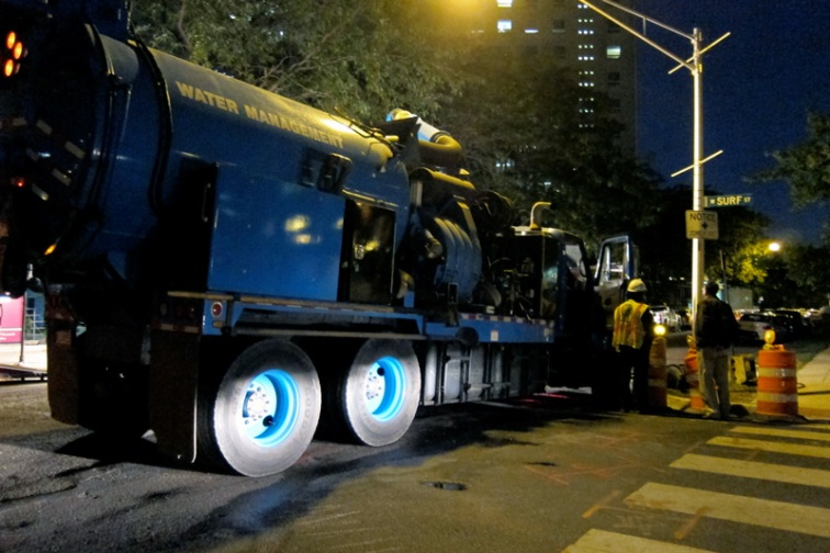 A big truck, © 2013 Celia Her City