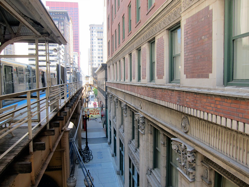 The el platform adjacent to the LaSalle Atrium Building, © 2013 Celia Her City