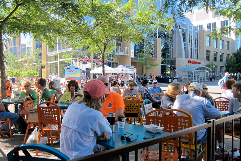 Outdoor cafe on market day, © 2013 Celia Her City